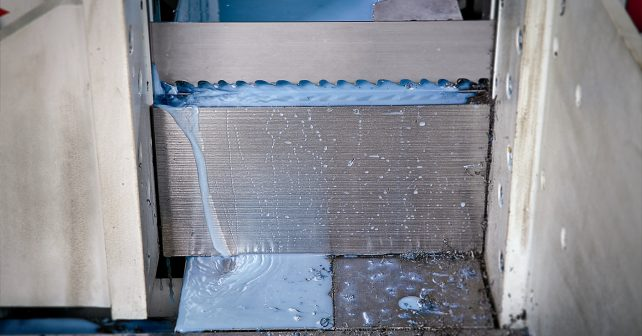 lenox-carbide-bandsaw-blades-versapro-in-use-13_low