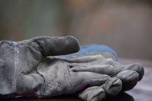 gloves-1769898_1920